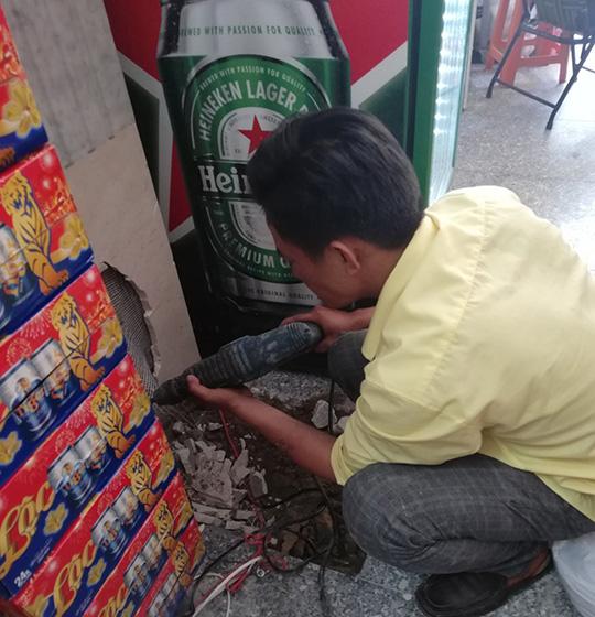 thợ sửa chữa rò rỉ nước Anh Vinh